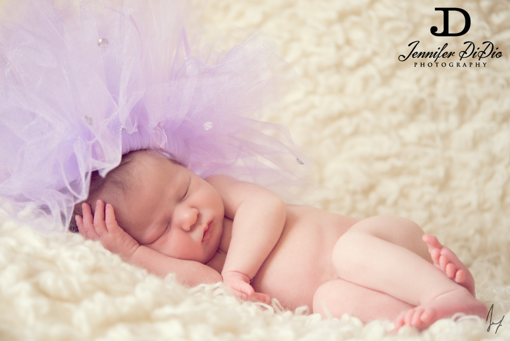 Jennifer.DiDio.Photography.Meushaw.newborn-56.jpg