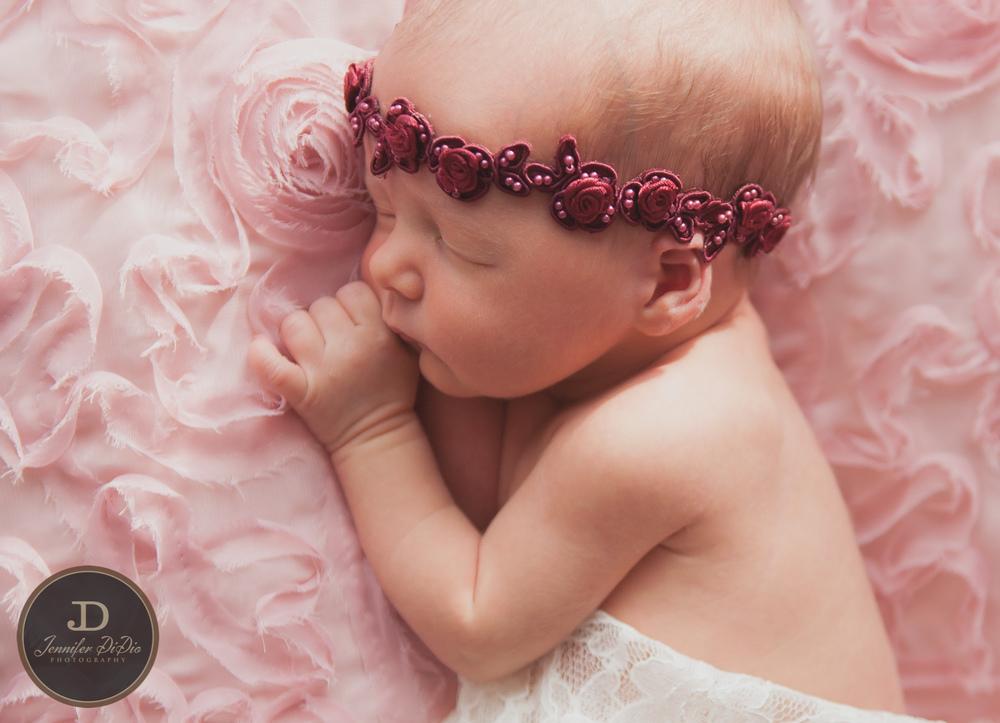 Jennifer.DiDio.Photography.Whaley.Newborn.2013-12.jpg