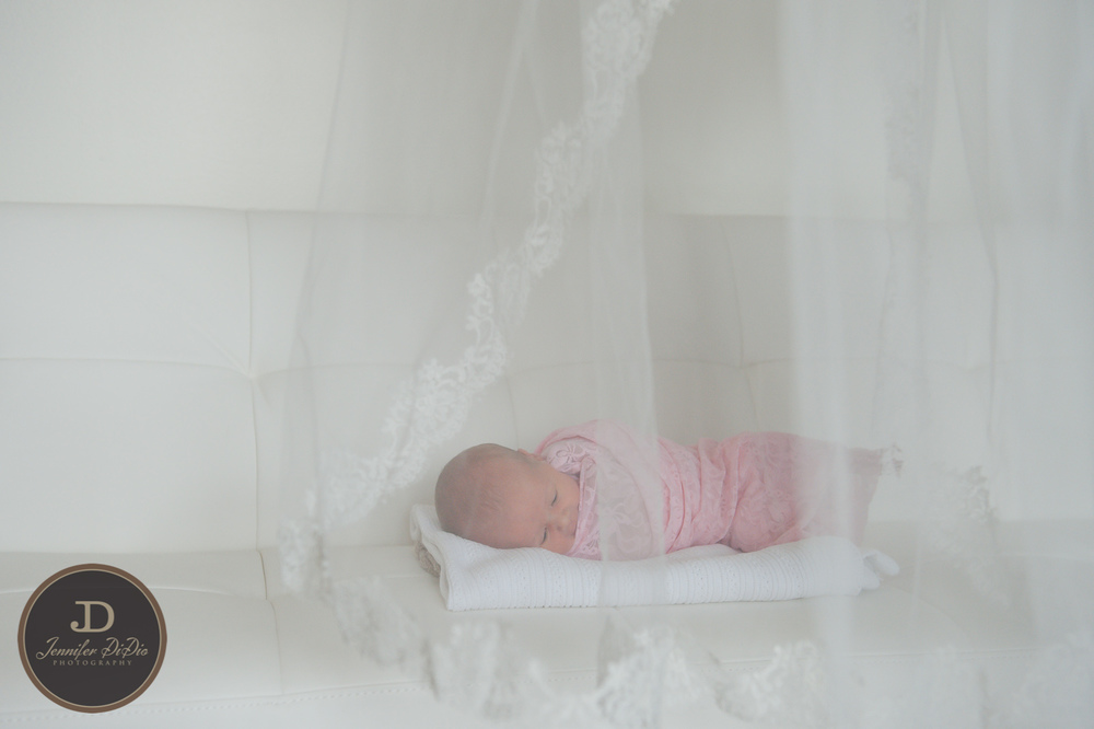 Jennifer.DiDio.Photography.Whaley.Newborn.2013-76.jpg