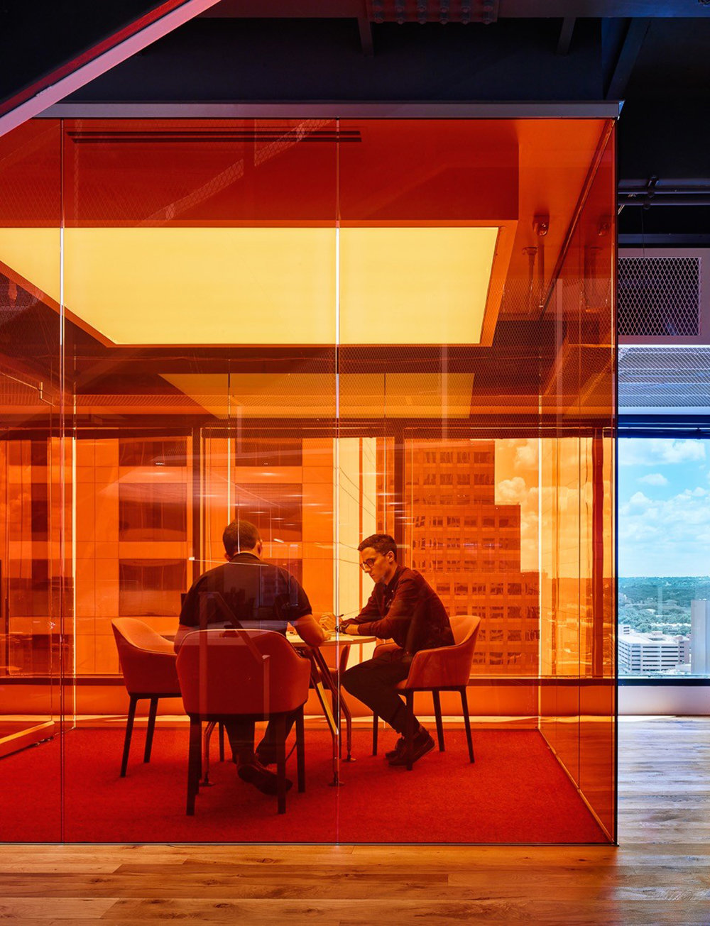 gerson-lehrman-group-glg-office-interior-design-clive-wilkinson-architects-austin-texas-usa_dezeen_2364_col_9.jpg