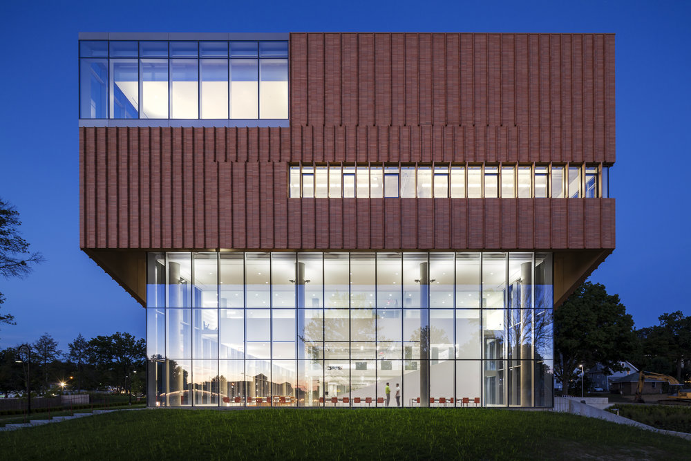 Architect: Weiss Manfredi  Photographer: Albert Vecerka/Esto