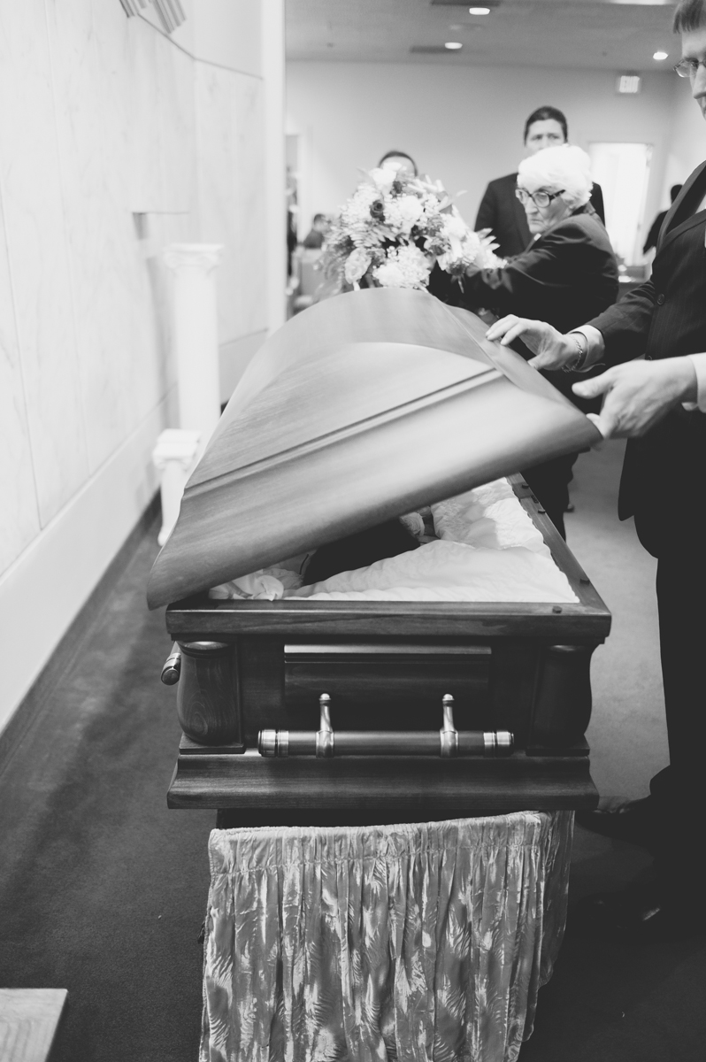Closing of the casket