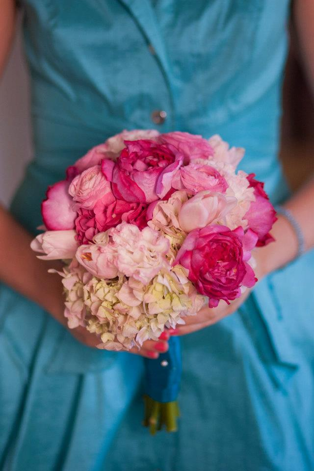 Bridesmaid with her bouquet // The Brooklyn Arts Center // Live Wedding Artist // Ben Keys of Wed on Canvas // Photo Courtesy of KMI Photography