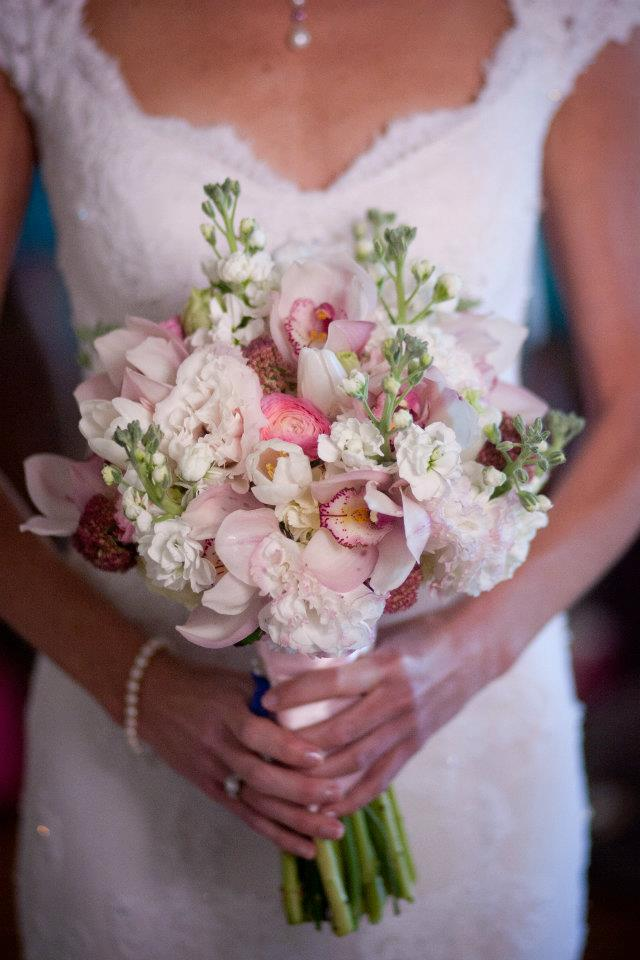 Bride's Bouquet // Live Wedding Painter Ben Keys // Wed on Canvas // The Brooklyn Arts Center // Photo Courtesy of KMI Photography // Wilmington, NC Wedding