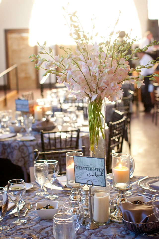 Live Wedding Artist Ben Keys of Wed on Canvas // Wilmington, NC Wedding // Wedding Table Décor // Photo Courtesy of KMI Photography