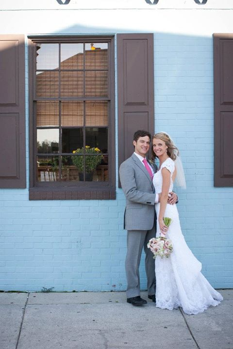 Wed on Canvas Live Wedding Artist Ben Keys // Riverboat Landing, Downtown Wilmington, NC // Photo Courtesy of KMI Photography