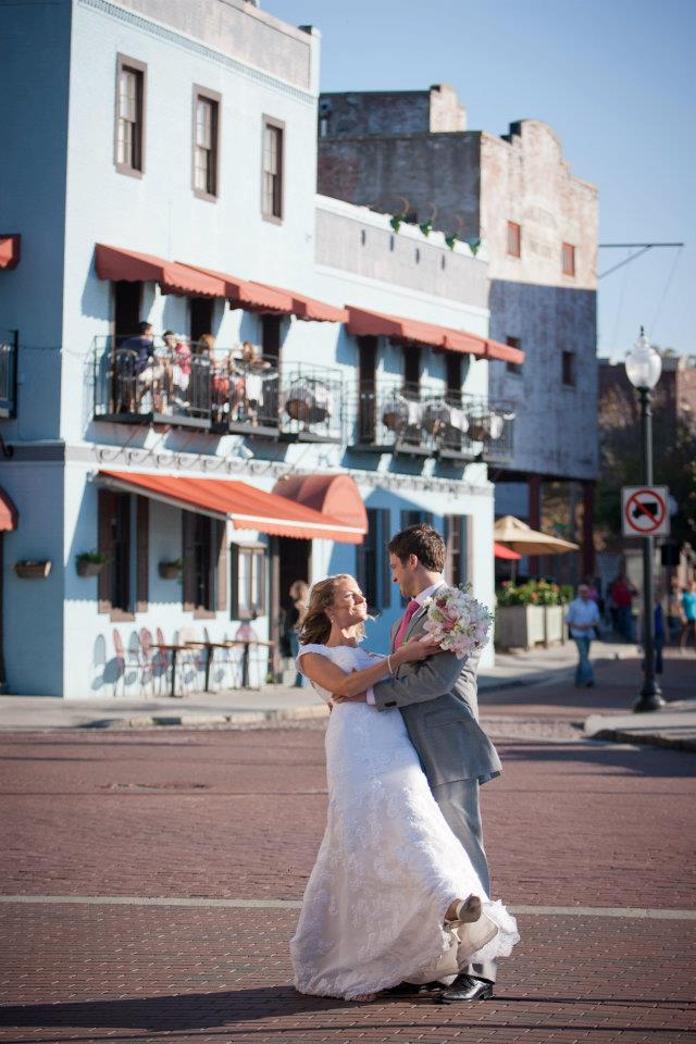 Water Street, Wilmington, NC // Wed on Canvas, Live Wedding Artist, Ben Keys // Photo Courtesy of KMI Photography