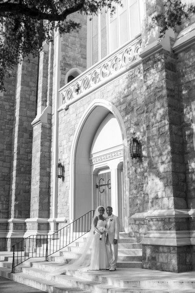 First Presbyterian Church, Wilmington // City Club of Wilmington Wedding Reception // Ben Keys Wedding Artist of Wed on Canvas // Photo Courtesy of Peacock Portraits