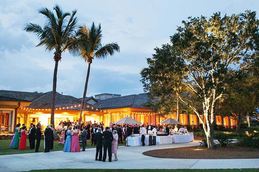 Royal Poinciana Golf Club, Naples, FL // Wedding Artist Ben Keys, Wedding Painter of Wed on Canvas // Lucia Paul Designs // Photo Courtesy of Jonathan Young Weddings