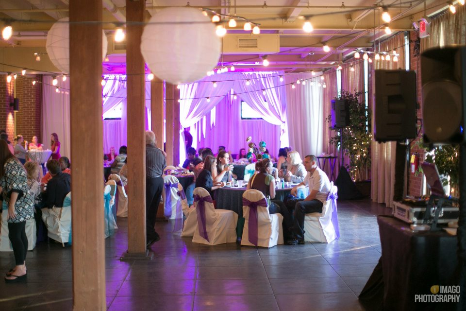 The Mill Event Hall of Chattanooga, Tennessee // Wedding Reception Painting by Ben Keys Wedding Artist of Wed on Canvas // Photo Courtesy of Imago