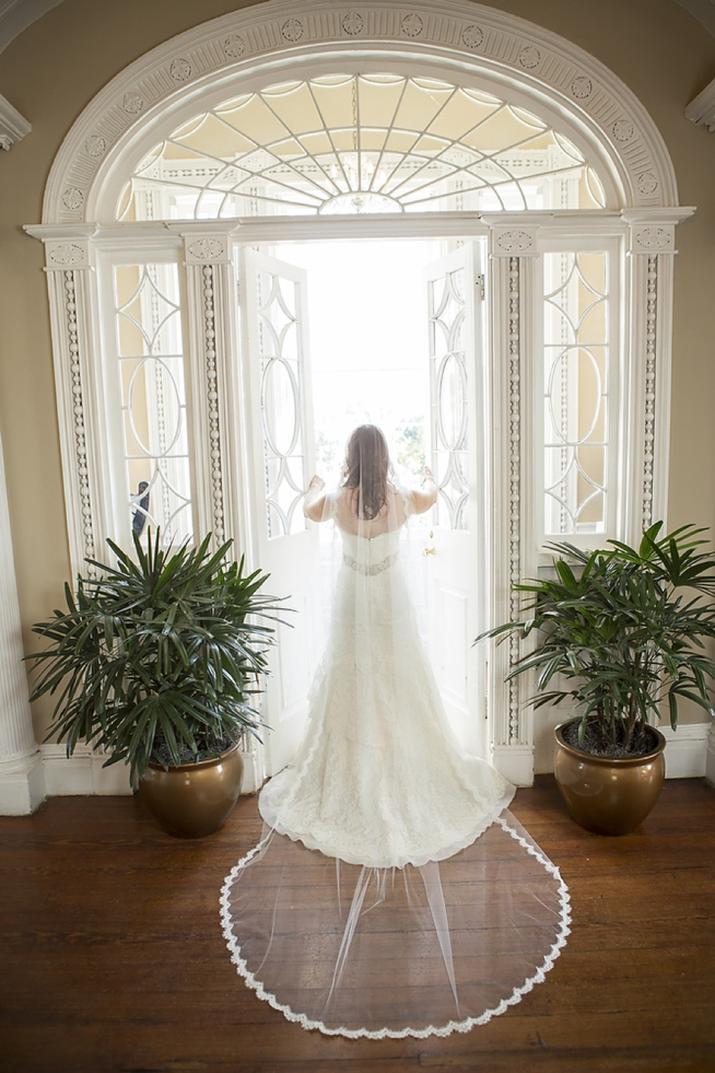 rivini-dari-gown-charleston-wedding-french-huguenot-church-wedding-painter-ben-keys-event-artist-of-wed-on-canvas-painting-live