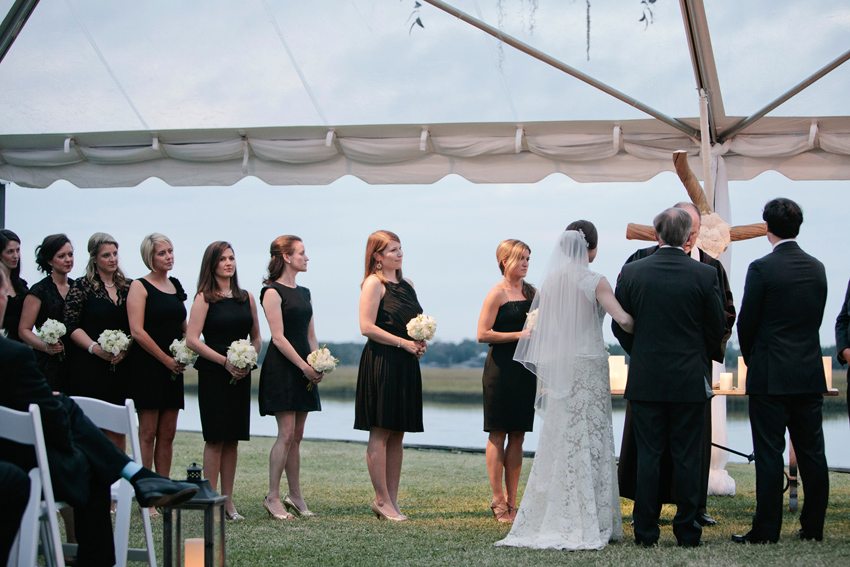 marsh-wedding-painter-painting-live-during-reception-ben-keys-of-wed-on-canvas-lace-bridesmaid-dresses-in-black-with-white-bouquets