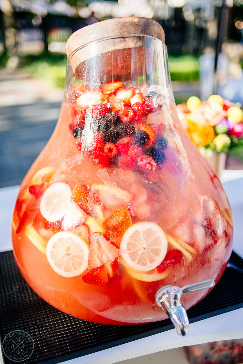 sangria-signature-wedding-cocktail-squeeze-charleston-garden-reception