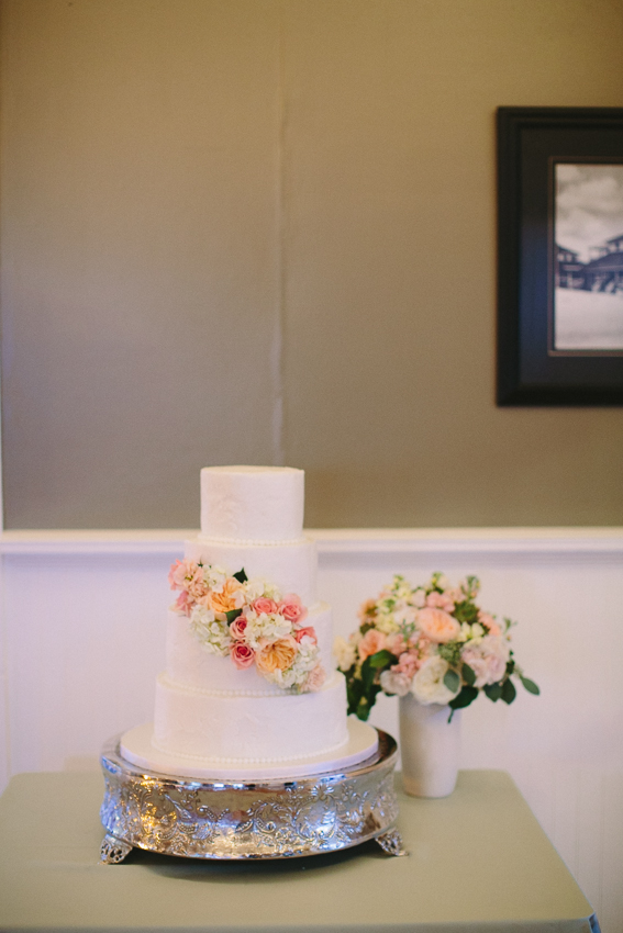wed-on-canvas-wrightsville-beach-cake-salt-harbor-designs