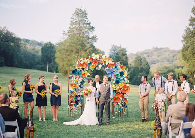 Photo by  Rylee Hitchner  via  Green Wedding Shoes