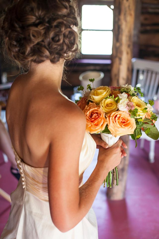 pin-tuck-curl-wedding-hair-vintage-rustic-wedding-orange-and-yellow-bridal-bouquet-ivory-gown
