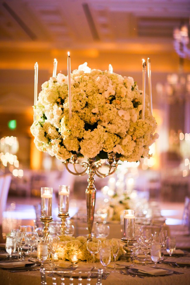 luxury-modern-glam-the-breakers-sara-renee-events-sylvia-weinstock-cake-always-flowers-miami-palm-beach-the-breakers-wed-on-canvas-live-wedding-painter