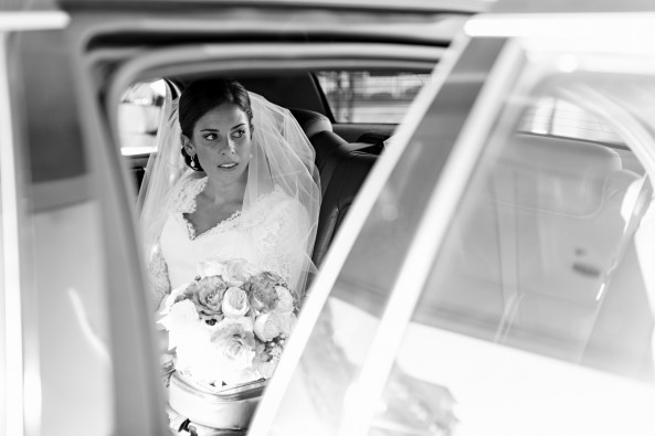 hollywood-black-and-white-bridal-portrait-inside-car-krista-photography-new-castle-nh-new-england-wedding-wentworth-by-the-sea