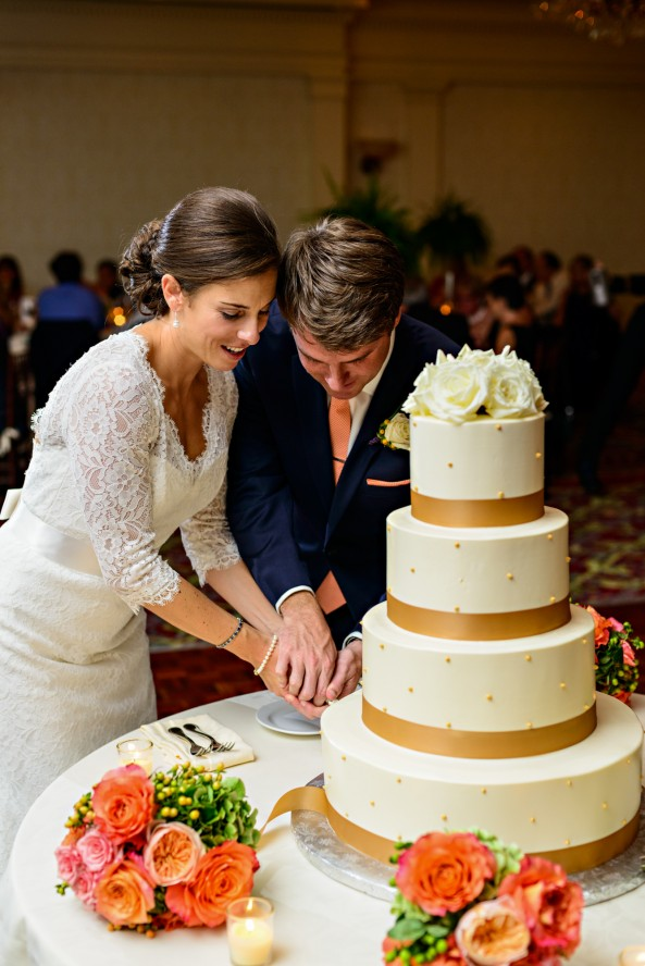 wentworth-by-the-sea-cake-cutting-wedding-painting-ben-keys-wed-on-canvas