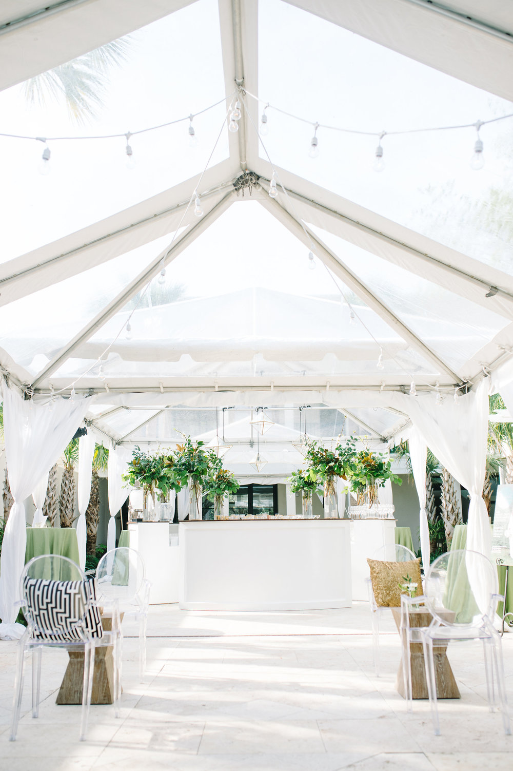 sperry-tents-charleston-clear-tent-cannon-green-charleston-event-venue-and-catering-west-elm-event-furnishings
