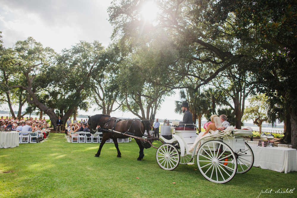 horse-drawn-carriage-with-bride-and-father-of-the-bride