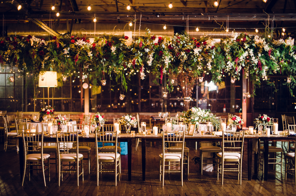 hanging-floral-chandelier-head-table-atlanta-summerour-studio
