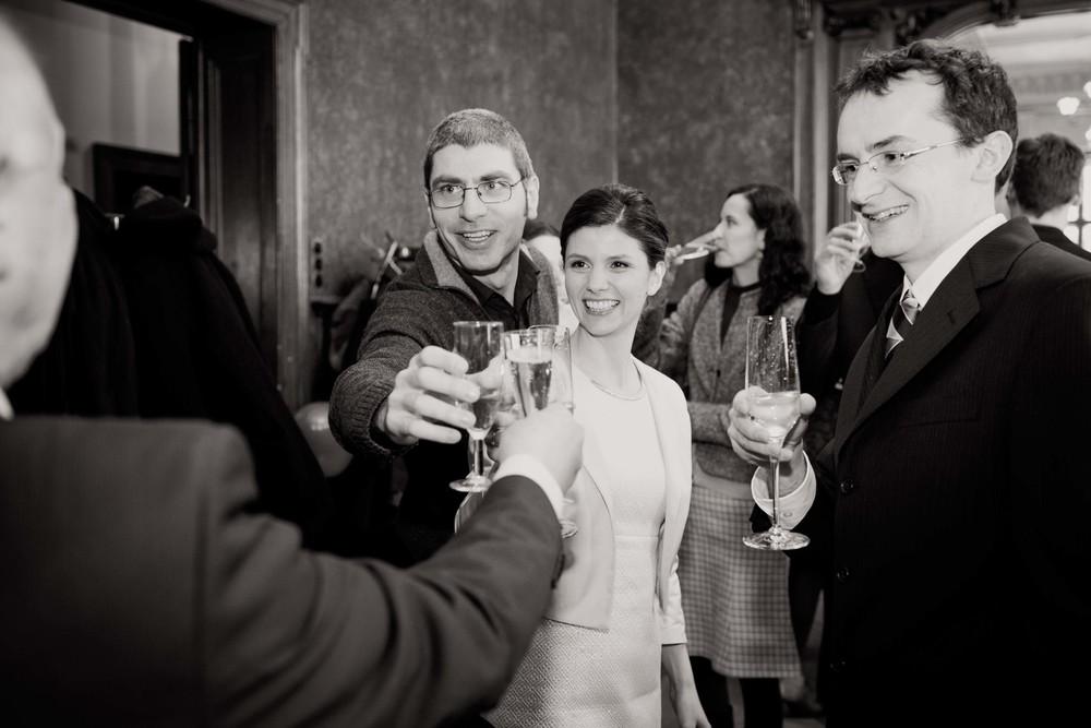 Berlin_Hochzeitsfotografie_Standesamt_Charlottenburg-66.jpg