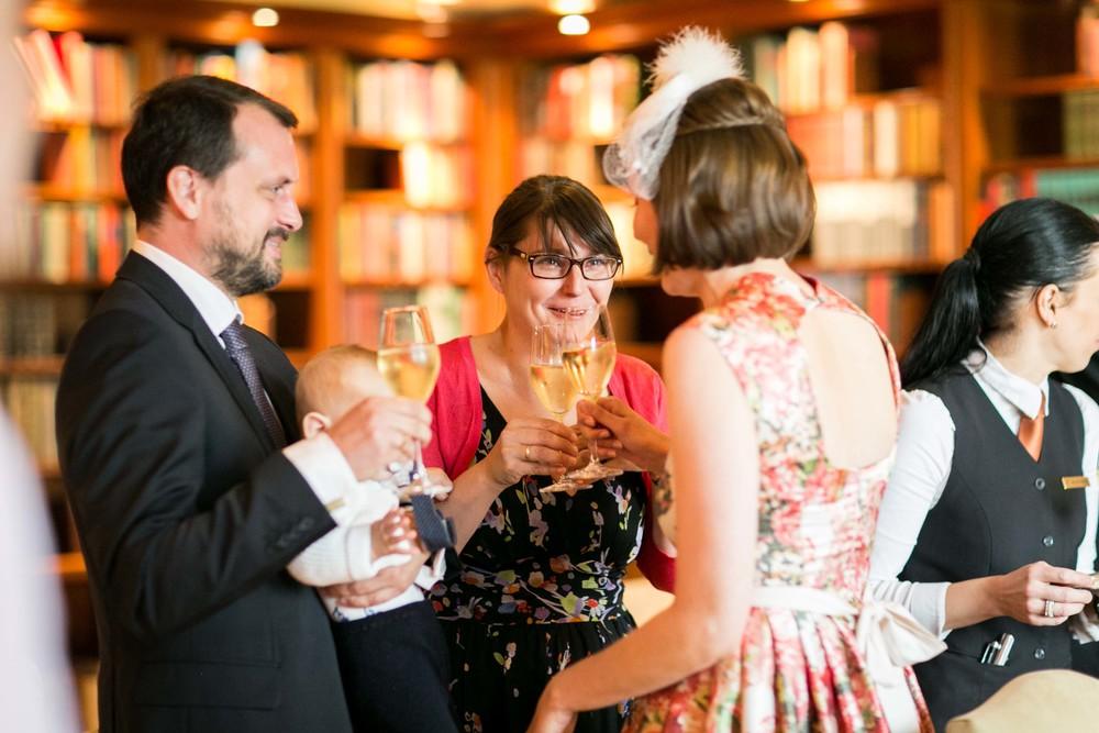 Fran Burrows Hochzeitsfotografie Berlin_Hotel Adlon-53.jpg
