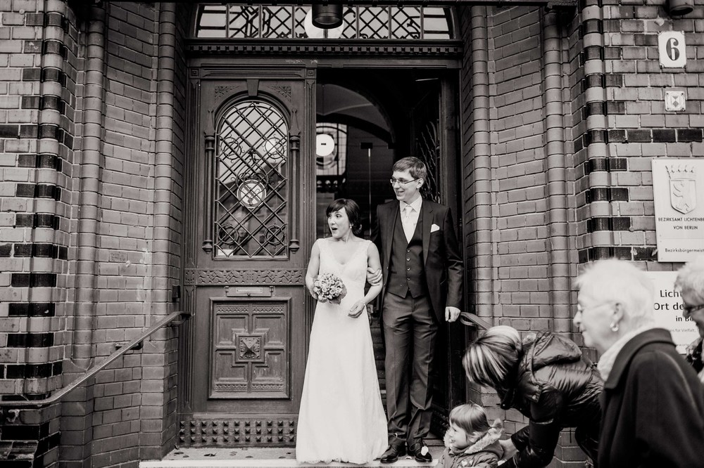 Fran Burrows Hochzeitsfotografie Berlin_Lichtenberg Standesamt-27.jpg
