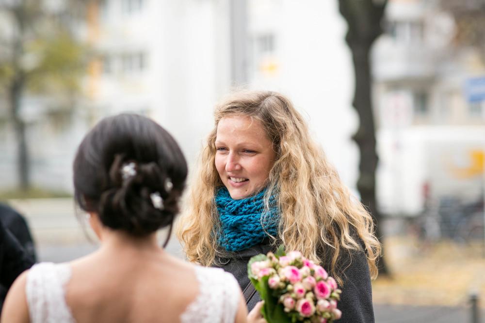 Fran Burrows Hochzeitsfotografie Berlin_Lichtenberg Standesamt-29.jpg