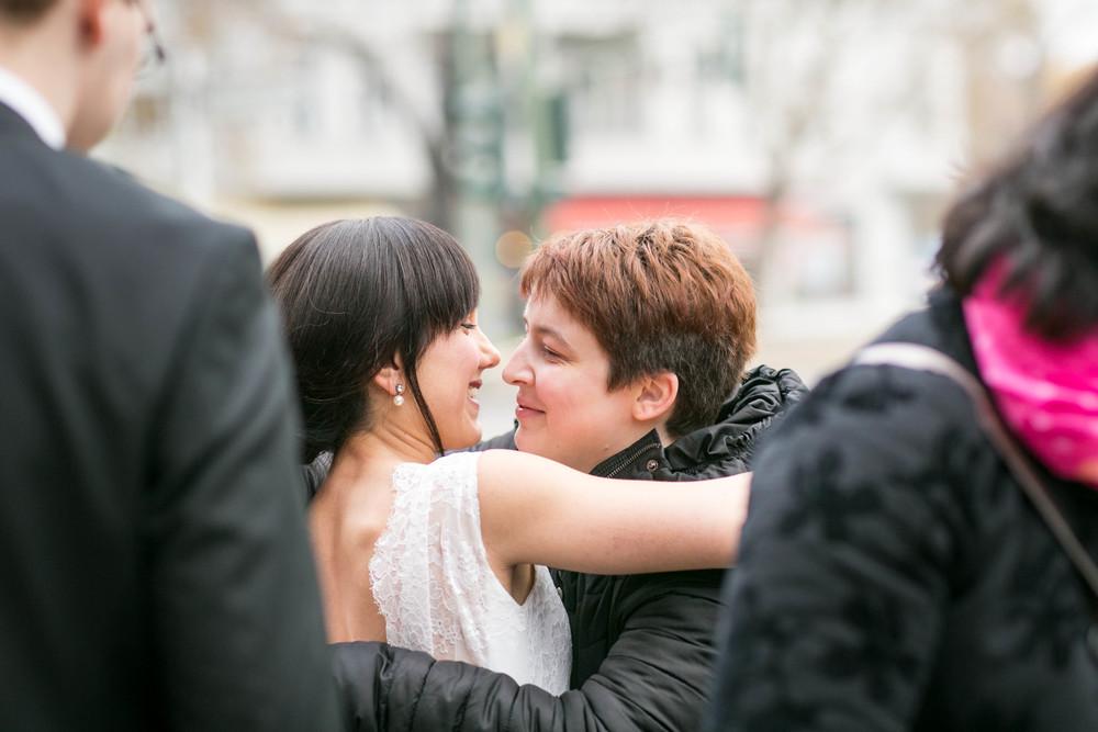 Fran Burrows Hochzeitsfotografie Berlin_Lichtenberg Standesamt-30.jpg