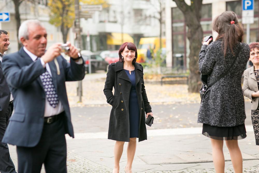 Fran Burrows Hochzeitsfotografie Berlin_Lichtenberg Standesamt-7.jpg