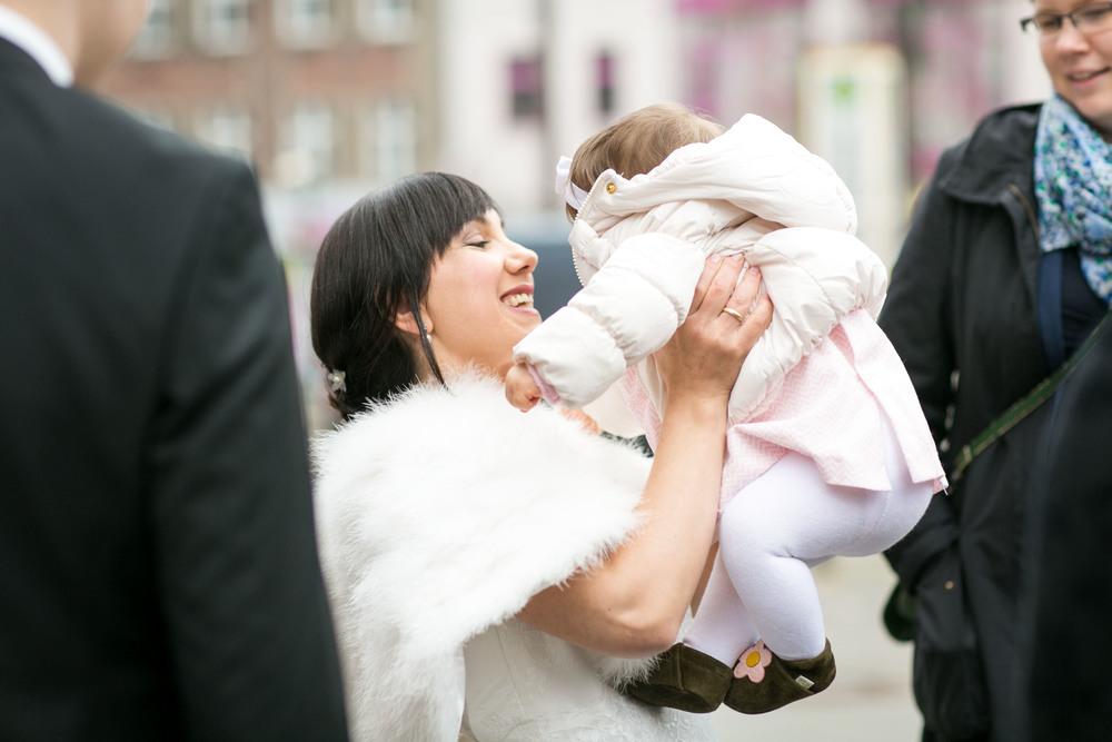 Fran Burrows Hochzeitsfotografie Berlin_Lichtenberg Standesamt-38.jpg