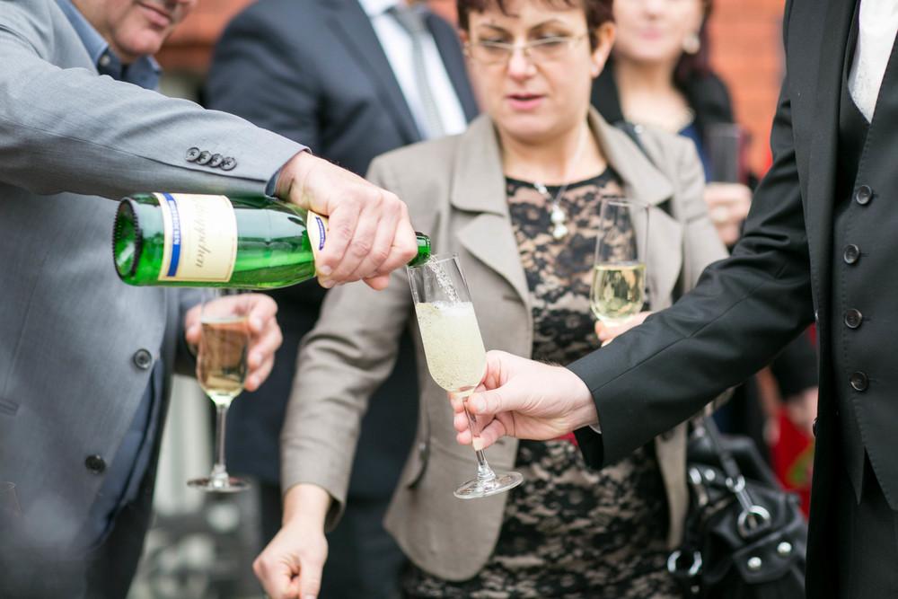 Fran Burrows Hochzeitsfotografie Berlin_Lichtenberg Standesamt-39.jpg