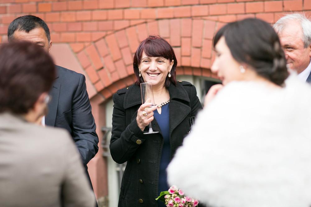 Fran Burrows Hochzeitsfotografie Berlin_Lichtenberg Standesamt-43.jpg