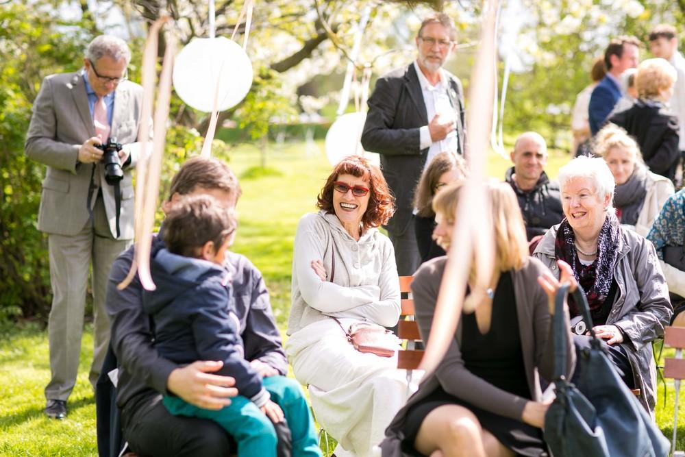 Berlin Hochzeitsfotografin Gartenglueck Wegendorf Hochzeitsreportage-40.jpg