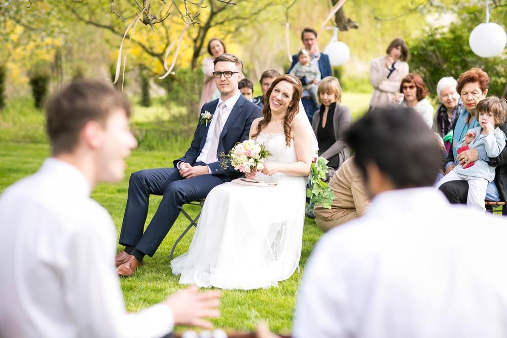 Berlin Hochzeitsfotografin Gartenglueck Wegendorf Hochzeitsreportage-44.jpg