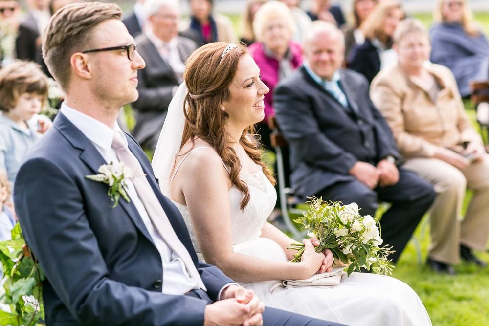 Berlin Hochzeitsfotografin Gartenglueck Wegendorf Hochzeitsreportage-45.jpg