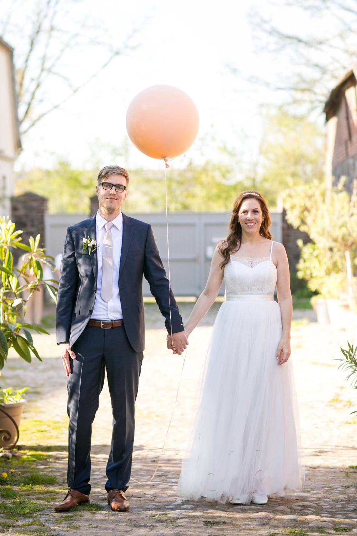 Berlin Hochzeitsfotografin Gartenglueck Wegendorf Hochzeitsreportage-93.jpg