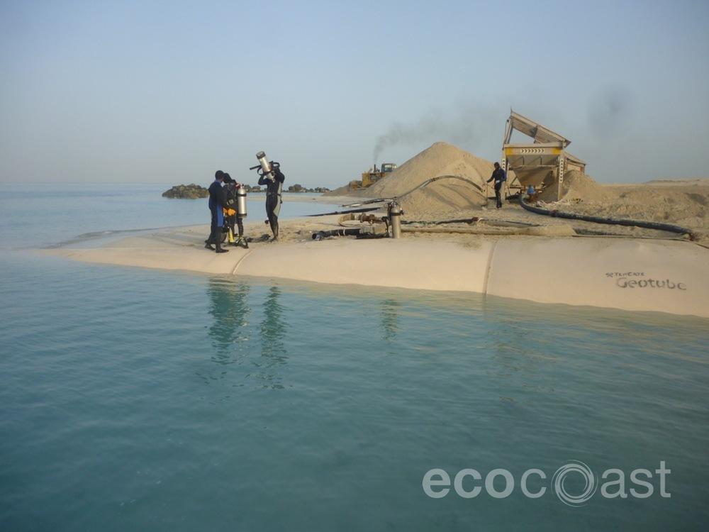 ecocoast_geobags_geotubes_9.JPG