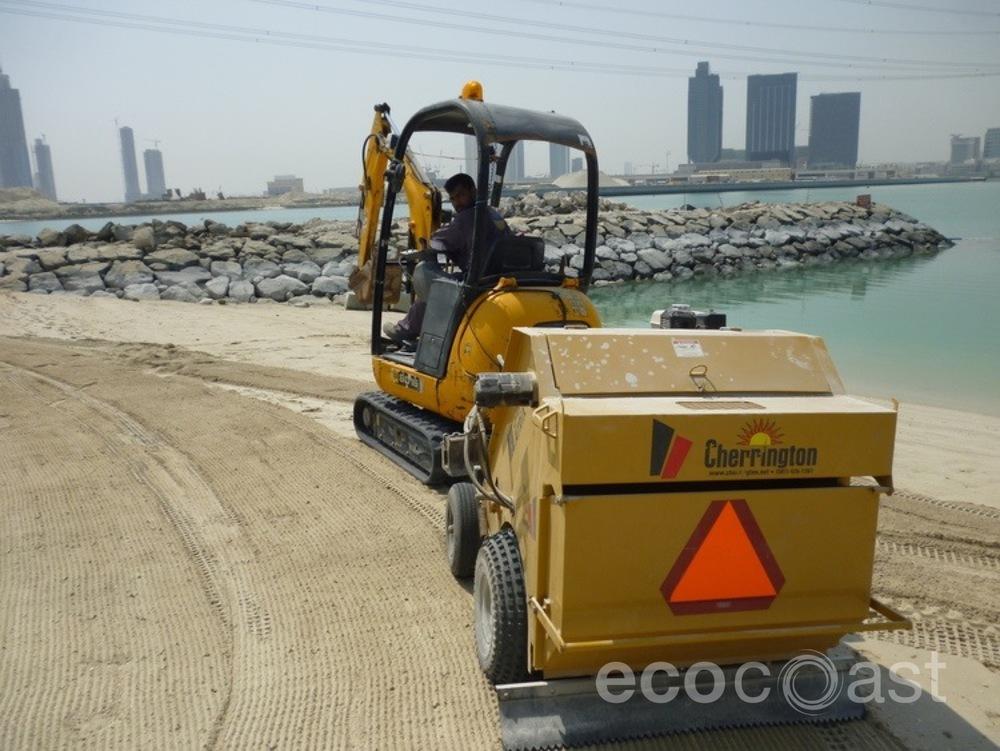 ecocoast_beach_cleaning_1.JPG