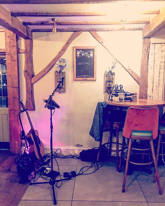 Back at the delicious @durhamox.shrewley tonight for more acoustic madness! Come say hey! Thanks @genremusic