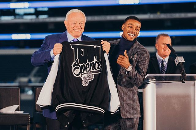 Jerry Jones hates to lose, so what does he do? Goes and gets himself a win-win situation by inviting two of boxing's brightest stars in Errol Spence Jr. (24-0, 21 KOs) and Mikey Garcia (39-0, 30 KOS) to AT&T Stadium and hosting the biggest fight of 2019. Visit @centraltrack for the full story and read why this is a dream come true for @errolspencejr