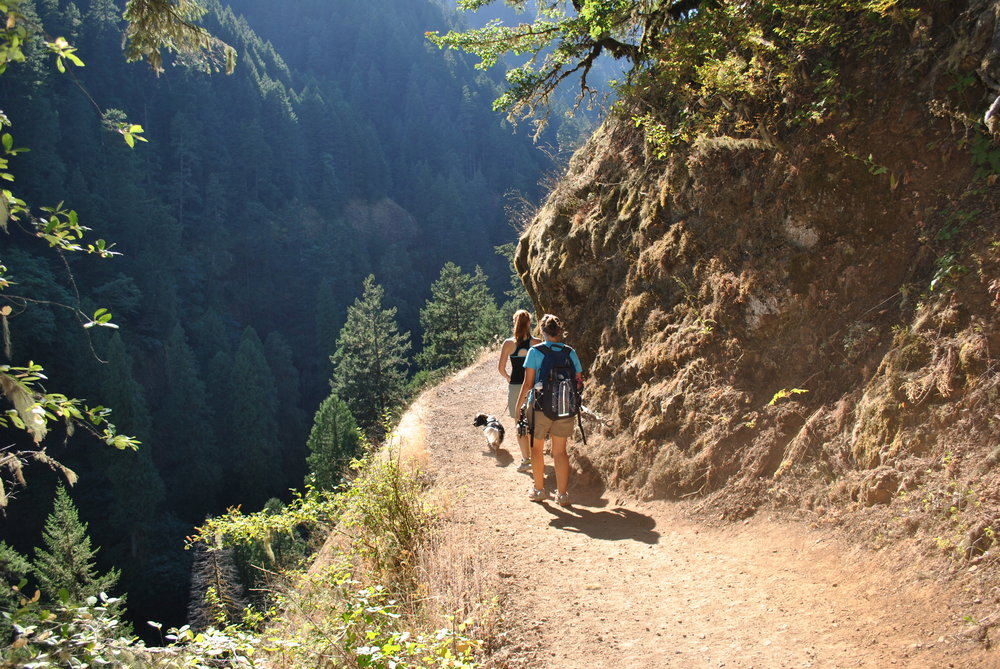 Hiking to Punchbowl Falls in Bonneville, OR