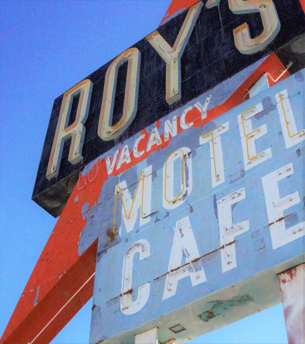 Roy's Vacancy Motel Cafe