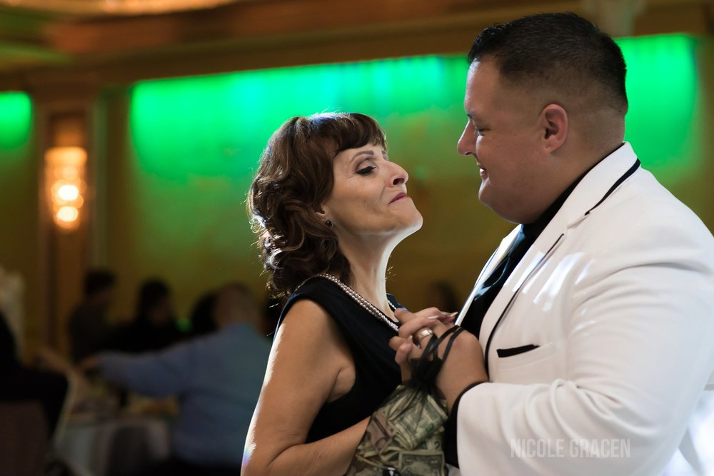 nicole-gracen-los-angeles-wedding-photographer-indoor-weddings-54.jpg