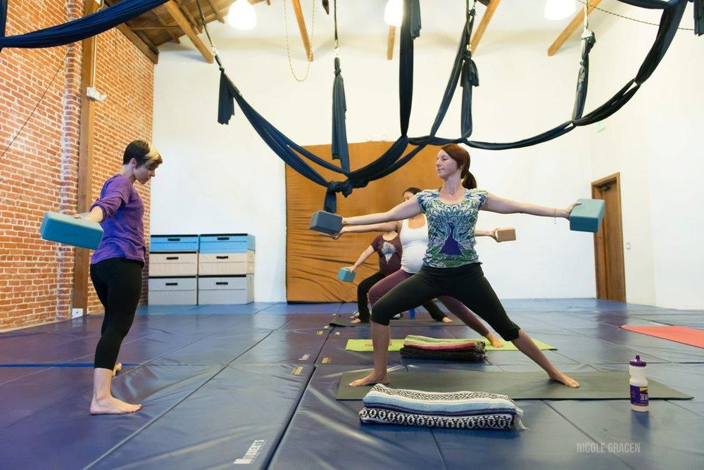 erin-haynes-yoga-los-angeles-kinship-yoga_0018.jpg