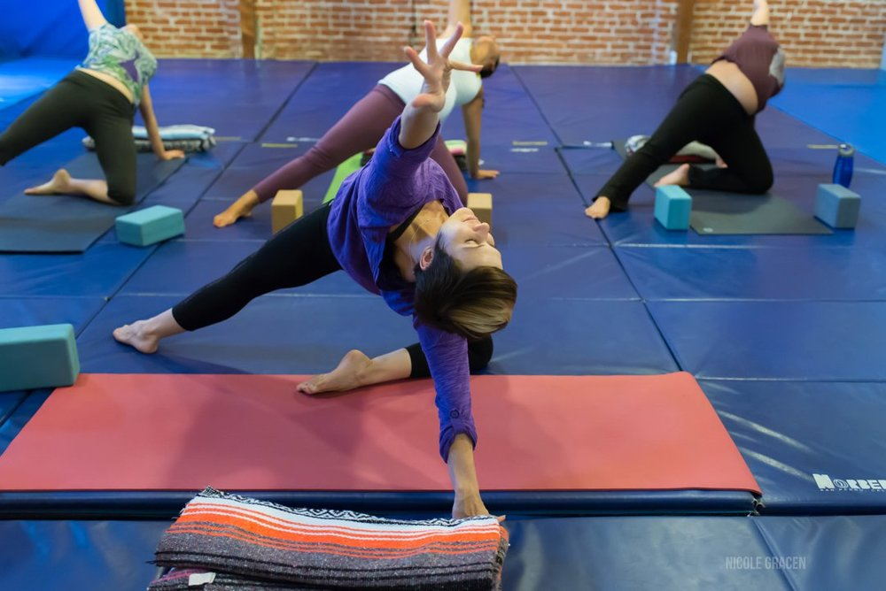 erin-haynes-yoga-los-angeles-kinship-yoga_0003.jpg
