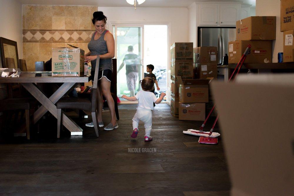 documentary-family-photos-los-angeles-home-nicole-gracen-studio_0012.jpg