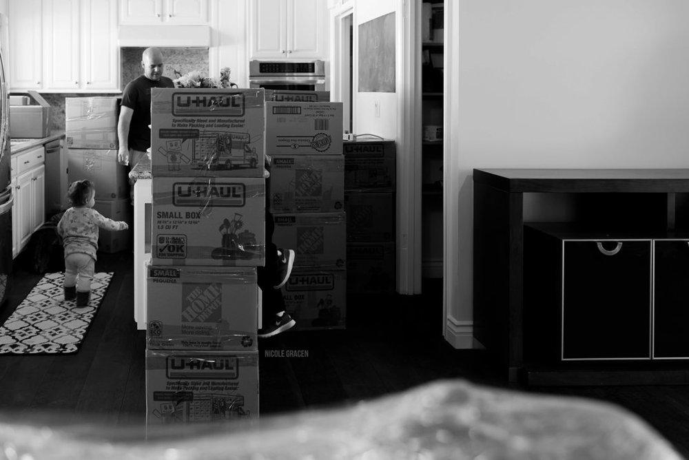 indoor-documentary-family-photo-session-by-nicole-gracen-studio5.jpg